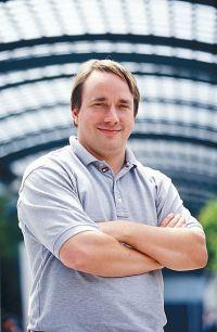 Linus Torvalds, criador e principal mantenedor do núcleo Linux.